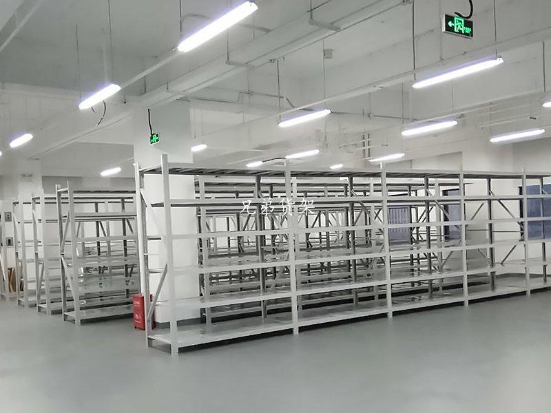 深圳某时装公司定制货架仓库案例