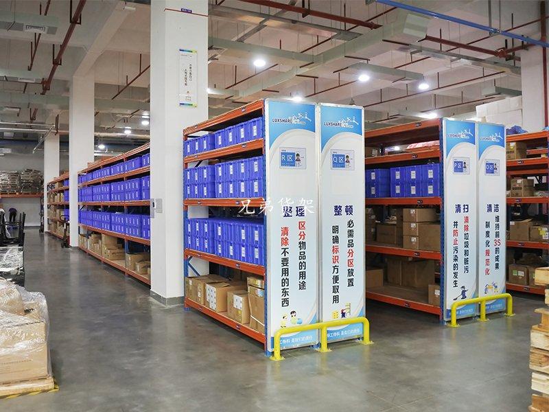 深圳某实业电子工厂轻型货架案例