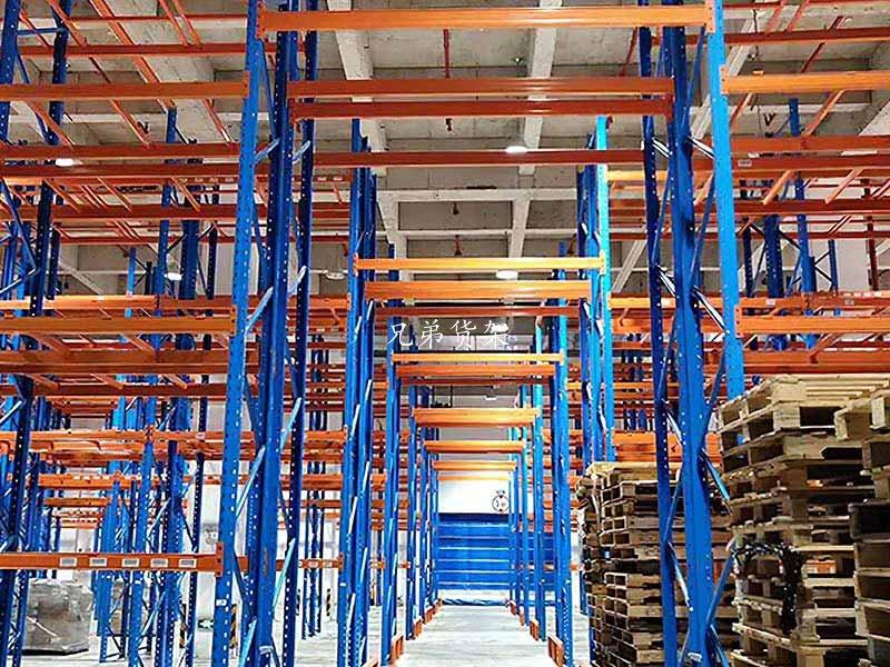 合理使用重型货架才能有效避免仓储事故