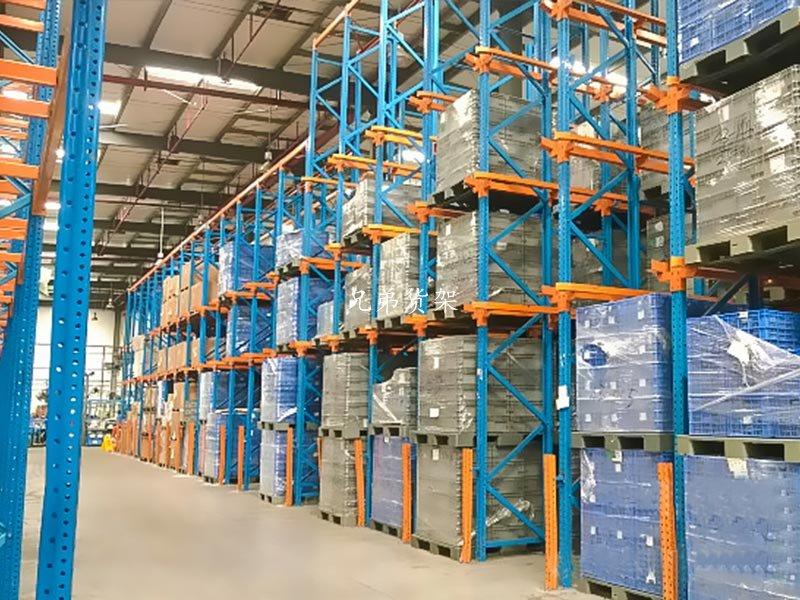 为何贯通式货架能节约50%以上的仓储成本